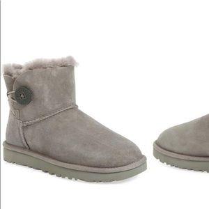 Mini bailey button boot
